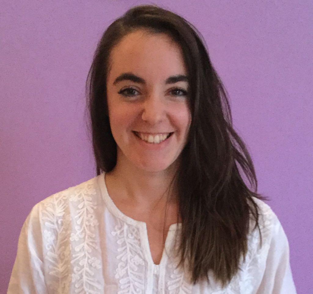 testimonio Paula villanueva profesora de yoga formada en la escuela de yoga en barcelona kaivalya