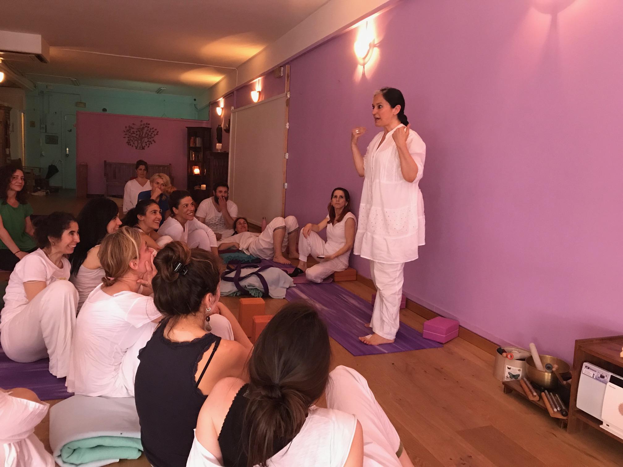 formacion profesor de yoga en barcelona
