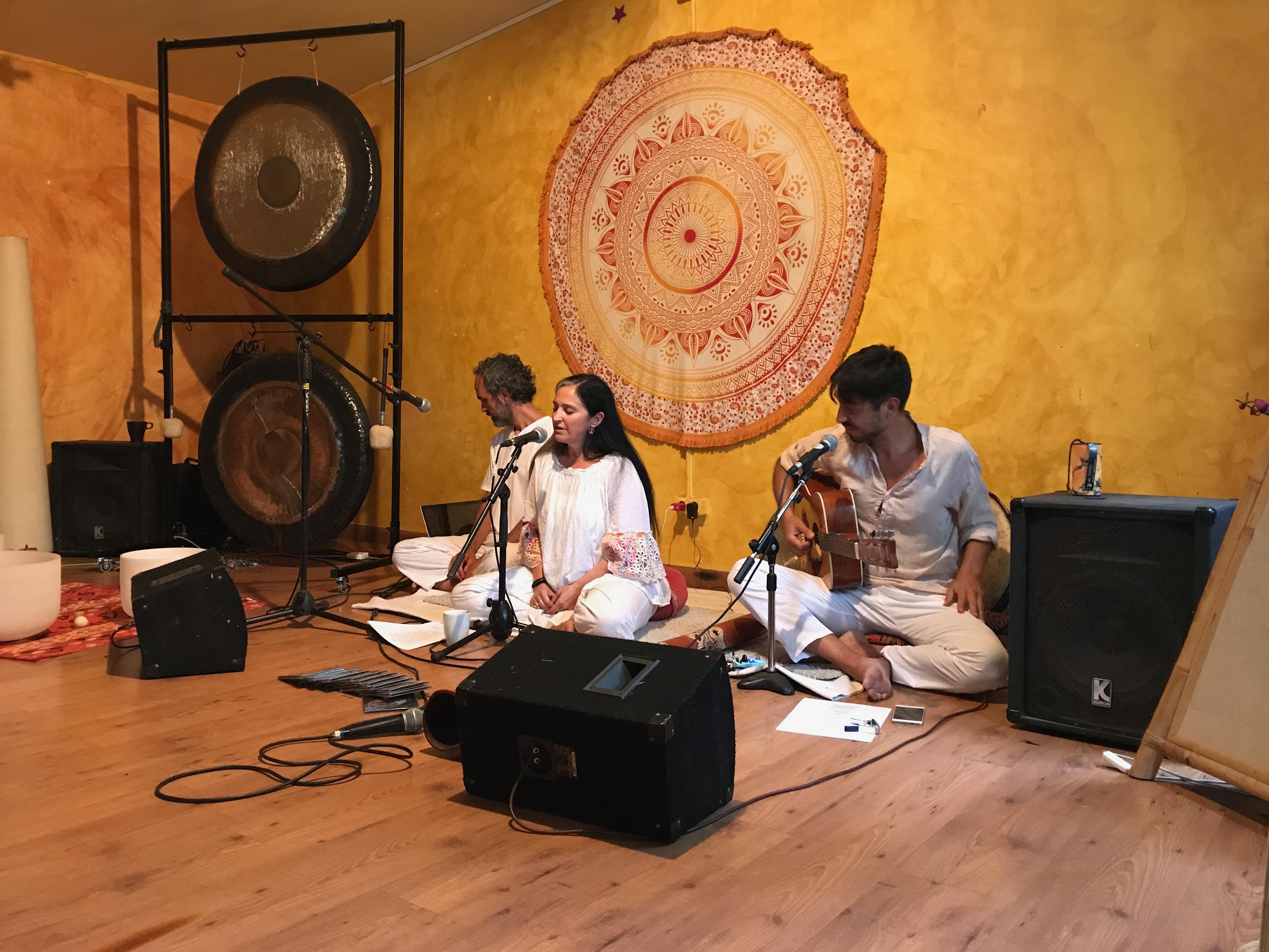 concierto de canto vedico en barcelona