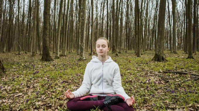 Conectando Con Los Adolescentes A Través Del Yoga